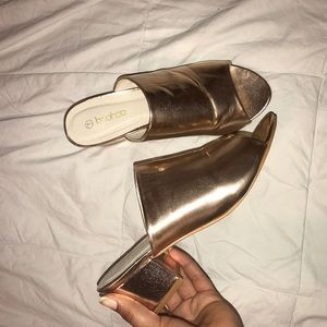 BOOHOO ROSE GOLD MULES